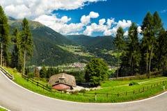 Vale em Tirol sul, dolomites, Itália Imagens de Stock