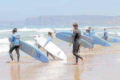 VALE FIGUEIRAS, PORTUGAL - Surfers getting surf classes Royalty Free Stock Photography