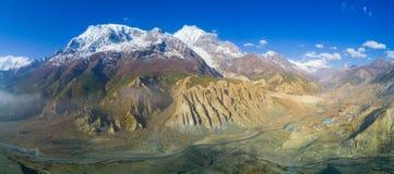Vale Himalaia panorâmico de Manang da escala de Annapurna Fotografia de Stock Royalty Free