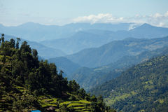 Vale na montanha NEPAL dos Himalayas Foto de Stock Royalty Free