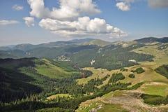 Vale nas montanhas 2 de Bucegi Foto de Stock Royalty Free