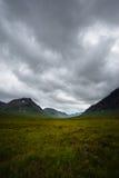 Vale nas montanhas escocesas fotografia de stock