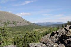 Vale nas montanhas ocidentais de Sayan Fotos de Stock Royalty Free