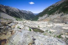 Vale no canadense Montanhas Rochosas fotografia de stock