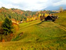 Valea Rece Simon i det Brasov länet i Rumänien royaltyfria foton