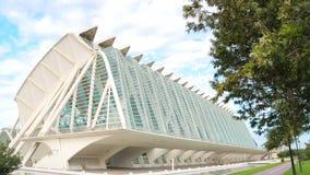 VALENCE, ESPAGNE - 10 septembre 2018 : Ville des arts et des sciences La grande ville de touristes est entourée par un grand parc banque de vidéos