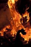 Valencia Fallas, figuras enormes ardiendo. Fotografía de archivo