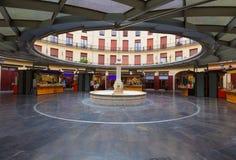 Valencia Plaza Redonda är en rund fyrkant i Spanien arkivfoton