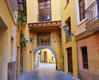 Valencia Portal de Valldigna bågebarrio del Spårvagnsförare Arkivbild