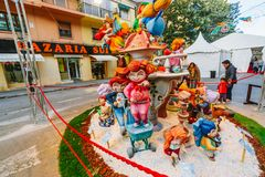 Valencia, Spagna, il 15 marzo 2018 Festival nazionale di Fallas Falla nell'area Benimaclet Immagine Stock Libera da Diritti