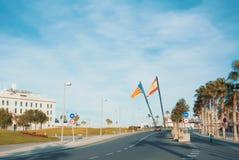 VALENCIA, SPANJE - FEBRUARI 3, 2016: Een weg aan het strand van Valencia, pa Stock Fotografie