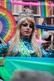 Valencia, Spanje - Juni 16, 2018: A trans persoon op een vlotter in de vrolijke vlotters van de trotsdag royalty-vrije stock fotografie