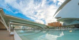 Valencia-Stadtbild, welches das Opernhaus, an den Künsten kennzeichnet, zentrieren Stockbild
