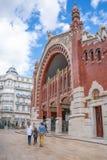 Valencia y sus arquitecturas antiguas y ultramodernas imagen de archivo