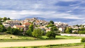 Valensole-Dorf im Vaucluse in Frankreich Lizenzfreie Stockfotos