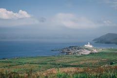 Valentia Lighthouse op Cromwell-Punt, een havenlicht om schepen van het overzees te leiden en hen te leiden door de noordelijke i Stock Afbeelding