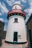 Valentia Lighthouse op Cromwell-Punt, een havenlicht om schepen van het overzees te leiden en hen te leiden door de noordelijke i Stock Afbeeldingen