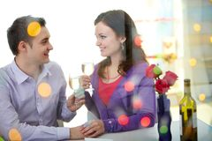 Valentijnskaarten in restaurant Stock Foto