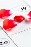 Valentijnskaartendag duidelijk op een kalender Stock Afbeelding