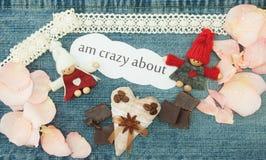 Valentim, cartão com pares de confecção de malhas no amor, matéria têxtil c Fotos de Stock Royalty Free
