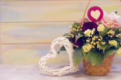 Valentim do St atual com flores Fotos de Stock