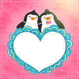 Valentin card med gullig tecknad filmpenguine Arkivfoto