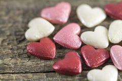 Valentin dag - abstrakt sikt av kulöra hjärtor Royaltyfria Bilder