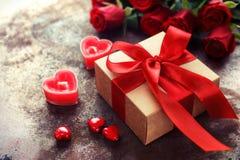 Valentin dag, gåvaask Arkivbilder