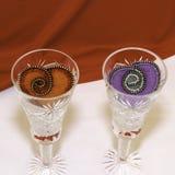 Valentin dag, handgjorda produkter från filt royaltyfri foto
