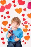 Valentin dag och hjärtor: Roliga ungar royaltyfria bilder