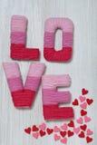 Valentin dagbegrepp med bokstavsförälskelse royaltyfria bilder