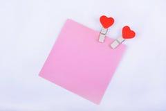 Valentin dagben med röda hjärtor på vit bakgrund Arkivbilder