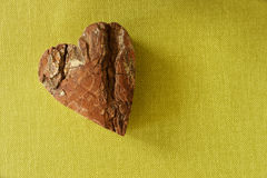 Valentin-Datum von weißen hölzernen Buchstaben Lizenzfreie Stockbilder