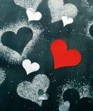 valentin för kortdag s Röd pappers- hjärta på ett rep Royaltyfri Fotografi