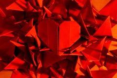 valentin för symbol för daghjärtaorigami röd s Arkivbilder