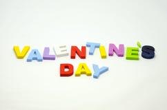 Valentindag genom att använda alfabetkvarteret Arkivfoton