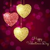Valentindagbakgrund med guld- och röda hjärtor Glänsande glit Arkivbild