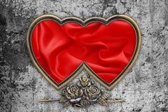 Valentindagbakgrund, Valentine Heart Red Silk Fabric Fotografering för Bildbyråer