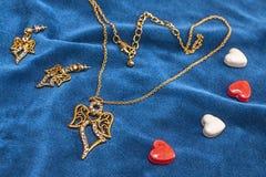 Valentindagdiamant, necklase, earingsgåva royaltyfri bild