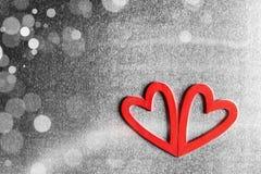 Valentindaghjärtor på metall Arkivfoto