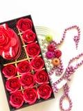 Valentine's dagtabell och dekor Arkivbild