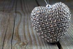 Valentine& x27; сердце s - символ влюбленности, понимания и сработанности Стоковая Фотография
