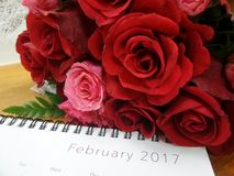Valentine-boeket en Februari-kalender Royalty-vrije Stock Fotografie