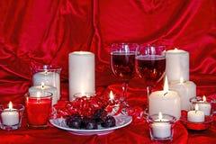 Valentine Candlelight y vino Imagen de archivo libre de regalías