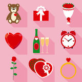 Valentine Crystal Heart vermelho para o presente no estilo liso Foto de Stock Royalty Free