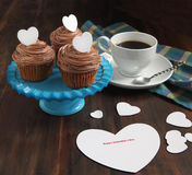 Valentine cupcake and Valentine card Royalty Free Stock Photography