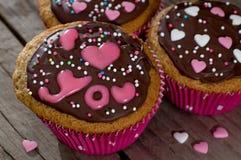 Valentine cupcakes met het van letters voorzien I liefde u Stock Foto