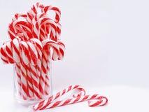 Valentine de coeurs de sucrerie avec le verre de la sucrerie Images stock