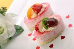 valentine de thème des fruits frais s de jour de gâteau Photographie stock