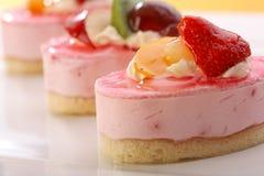 valentine de thème des fruits frais s de jour de gâteau Images stock